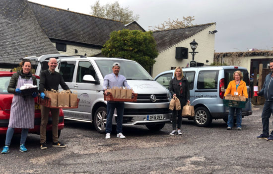 Volunteers delivery food to the local Kingsteignton area
